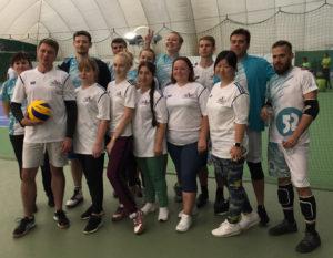 Волейбольная команда ГКБ № 13 со своими соперниками